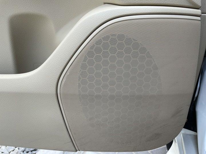 Toyota Landcruiser-SPEAKERS