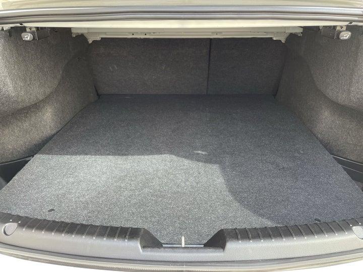 Mazda 6-BOOT INSIDE VIEW