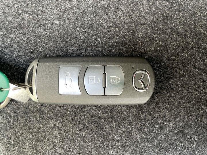 Mazda 6-KEY CLOSE-UP