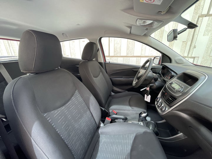 Chevrolet Spark-RIGHT SIDE FRONT DOOR CABIN VIEW