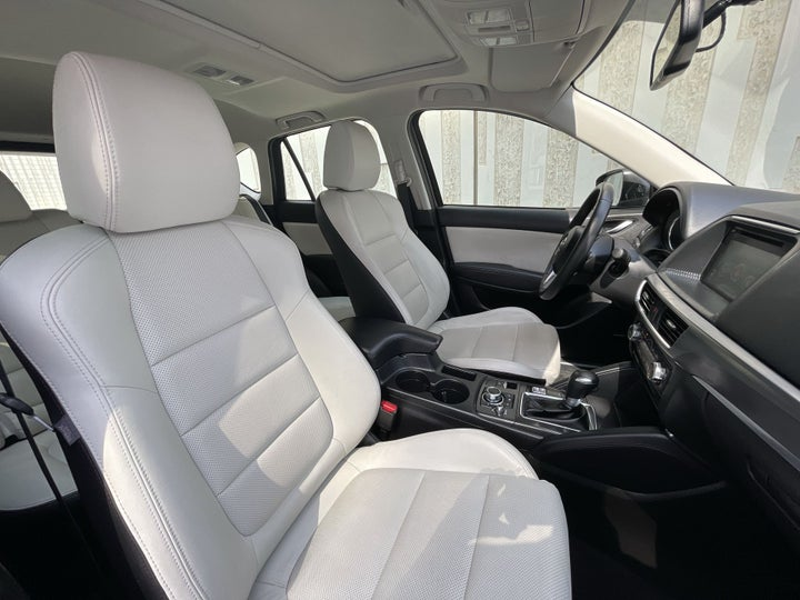 Mazda CX-5-RIGHT SIDE FRONT DOOR CABIN VIEW