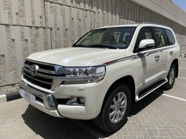 Toyota Landcruiser-LEFT FRONT DIAGONAL (45-DEGREE) VIEW