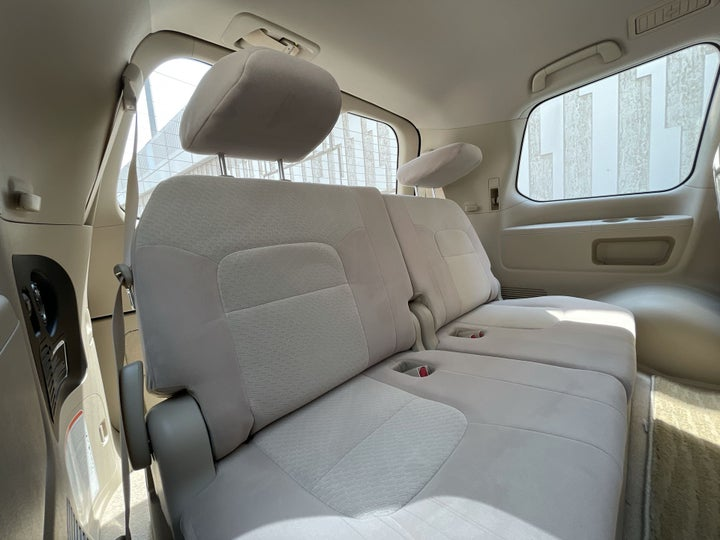 Toyota Landcruiser-THIRD SEAT ROW (ONLY IF APPLICABLE - EG. SUVS)