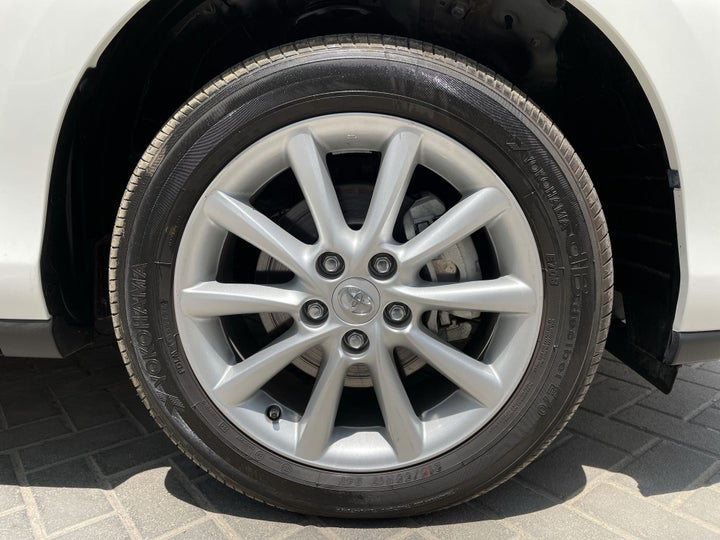 Toyota Previa-RIGHT FRONT WHEEL