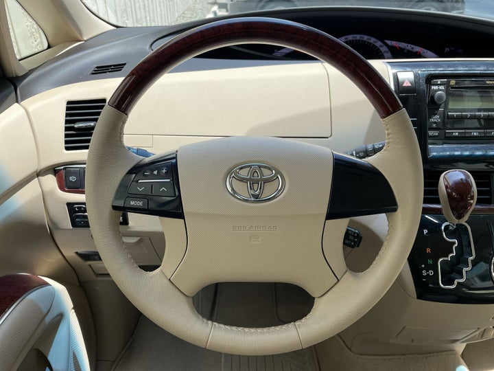 Toyota Previa-STEERING WHEEL CLOSE-UP