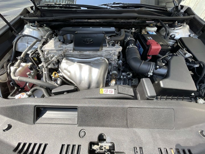 Toyota Camry-OPEN BONNET (ENGINE) VIEW