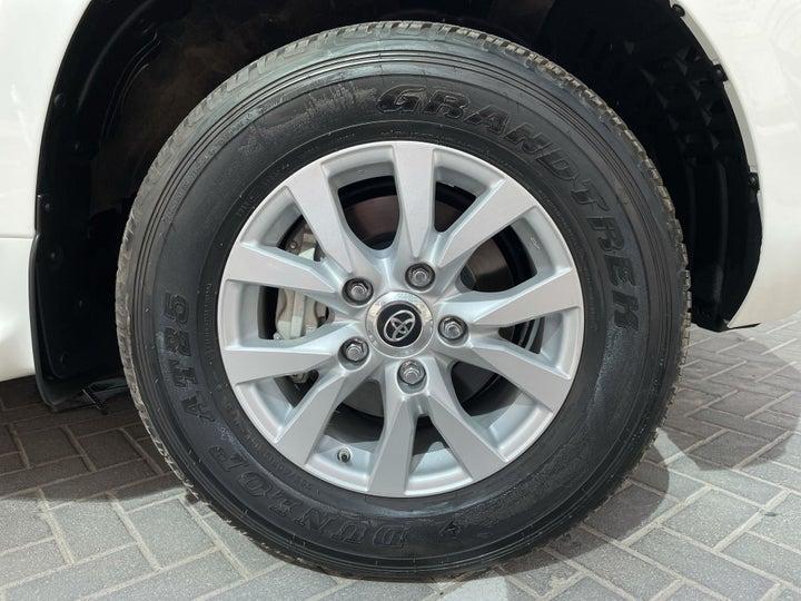 Toyota Landcruiser-RIGHT FRONT WHEEL