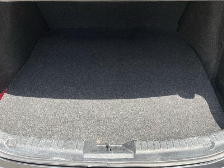 Mazda 3-BOOT INSIDE VIEW