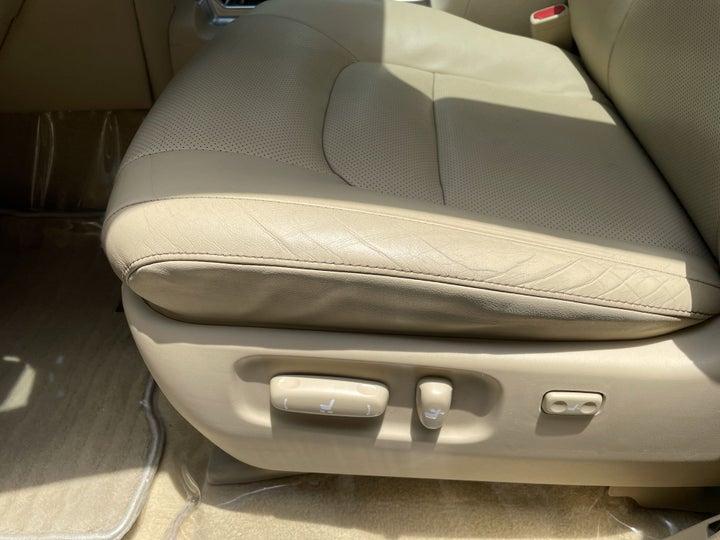 Toyota Landcruiser-DRIVER SIDE ADJUSTMENT PANEL
