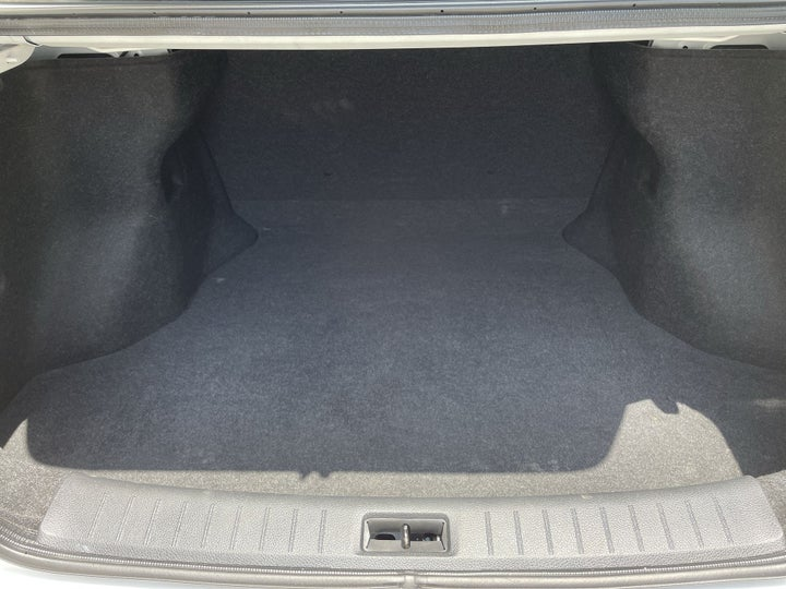 Nissan Sentra-BOOT INSIDE VIEW