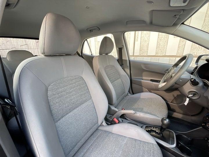 Kia Picanto-RIGHT SIDE FRONT DOOR CABIN VIEW