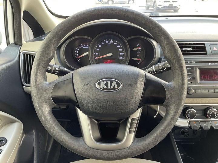 Kia Rio-STEERING WHEEL CLOSE-UP