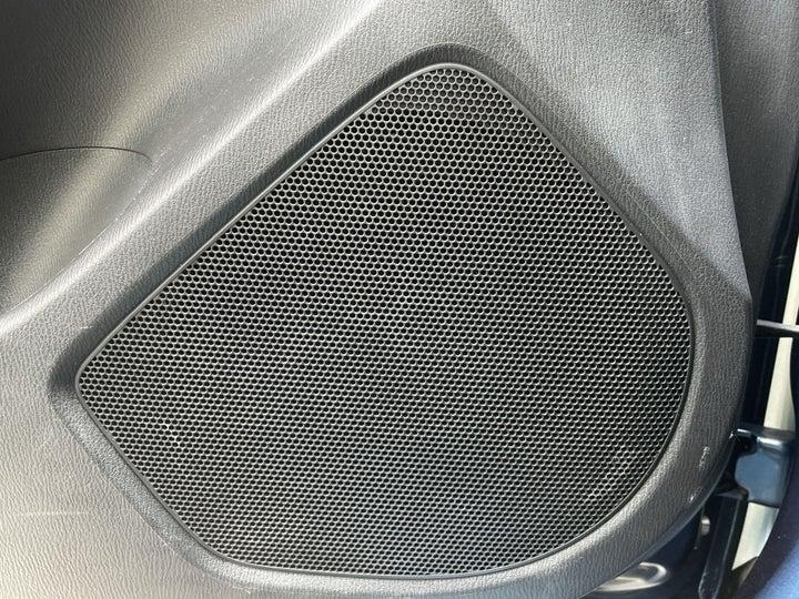 Mazda 3-SPEAKERS