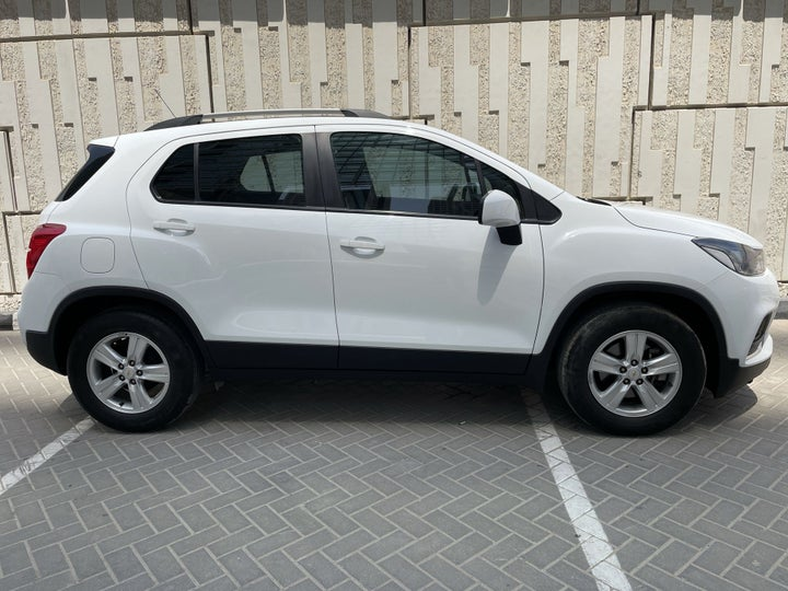 Chevrolet Trax-RIGHT SIDE VIEW