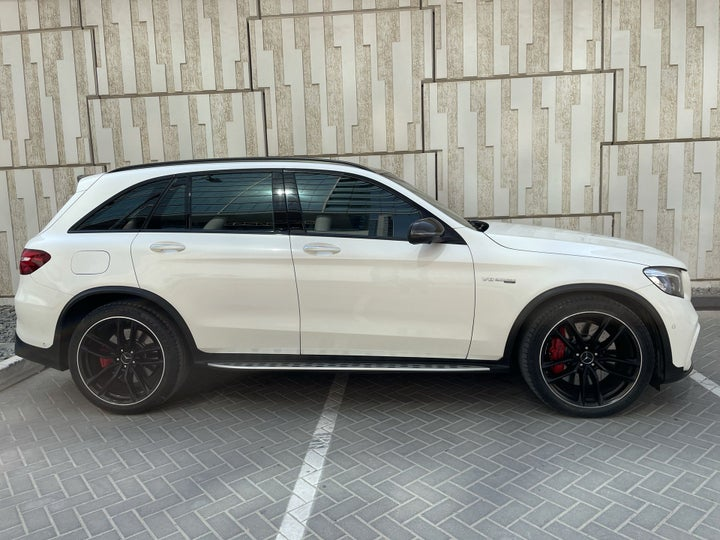 Mercedes Benz GLC 63-RIGHT SIDE VIEW