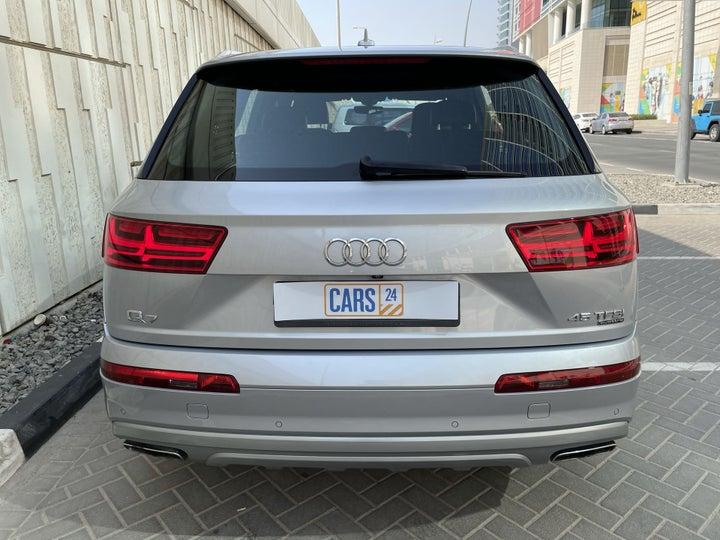 Audi Q7-BACK / REAR VIEW