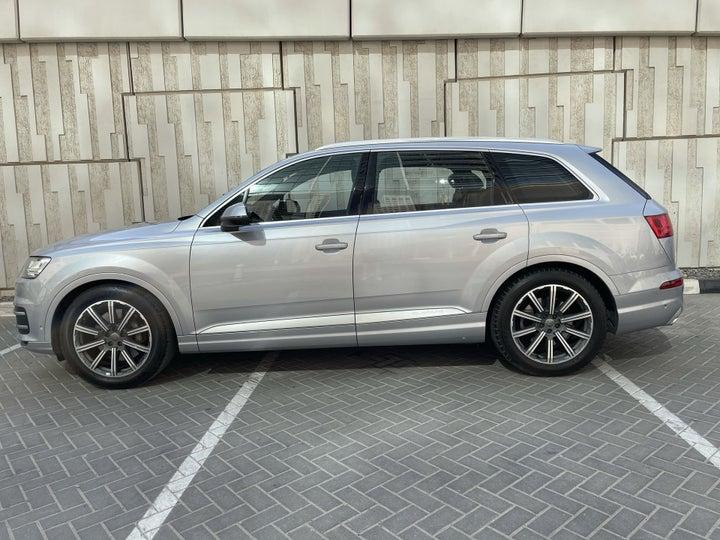 Audi Q7-LEFT SIDE VIEW