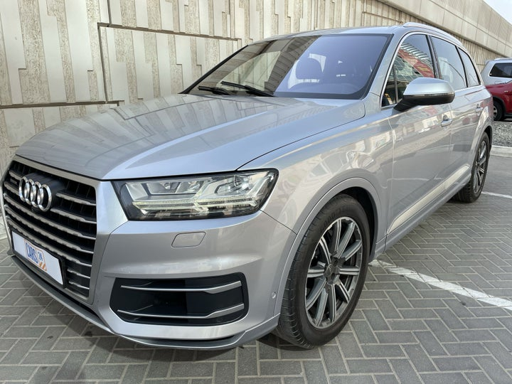 Audi Q7-LEFT FRONT DIAGONAL (45-DEGREE) VIEW