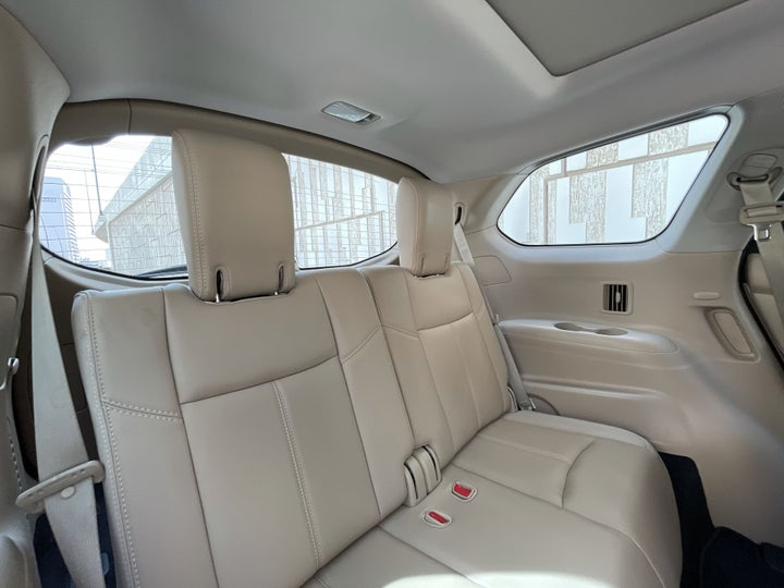 Nissan Pathfinder-THIRD SEAT ROW (ONLY IF APPLICABLE - EG. SUVS)