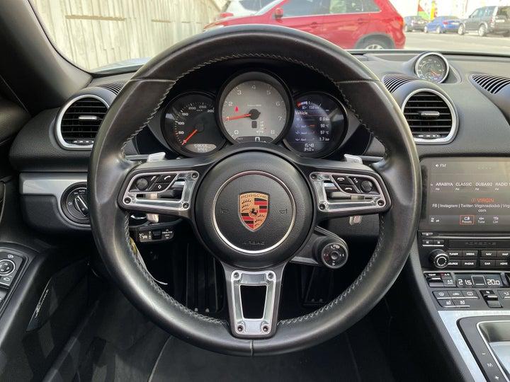 Porsche Boxster-STEERING WHEEL CLOSE-UP