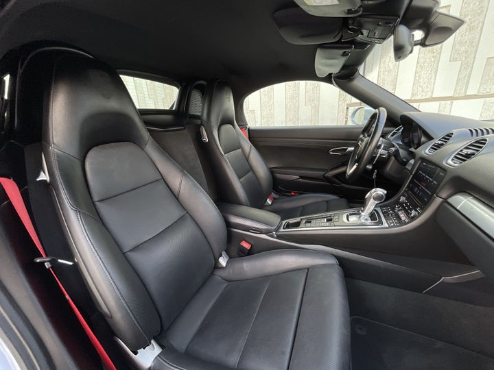 Porsche Boxster-RIGHT SIDE FRONT DOOR CABIN VIEW