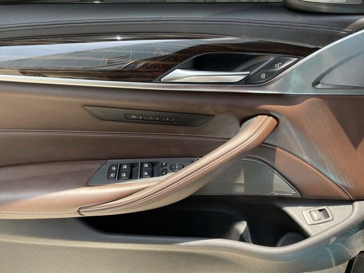 BMW 5 Series-DRIVER SIDE DOOR PANEL CONTROLS
