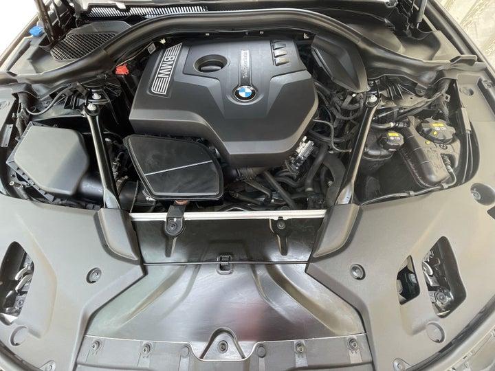 BMW 5 Series-OPEN BONNET (ENGINE) VIEW
