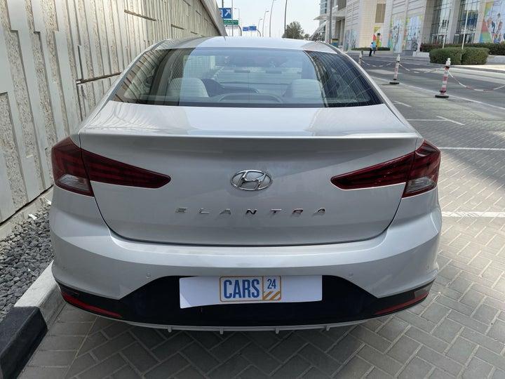 Hyundai Elantra-BACK / REAR VIEW