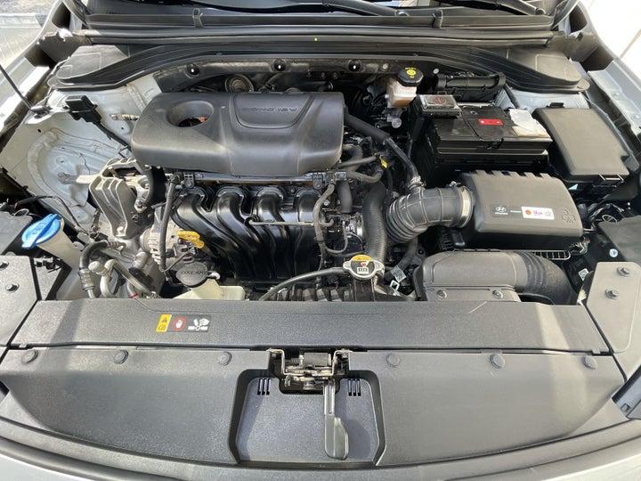 Hyundai Elantra-OPEN BONNET (ENGINE) VIEW