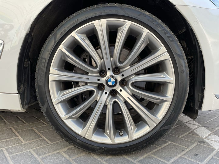 BMW 7 Series-RIGHT FRONT WHEEL