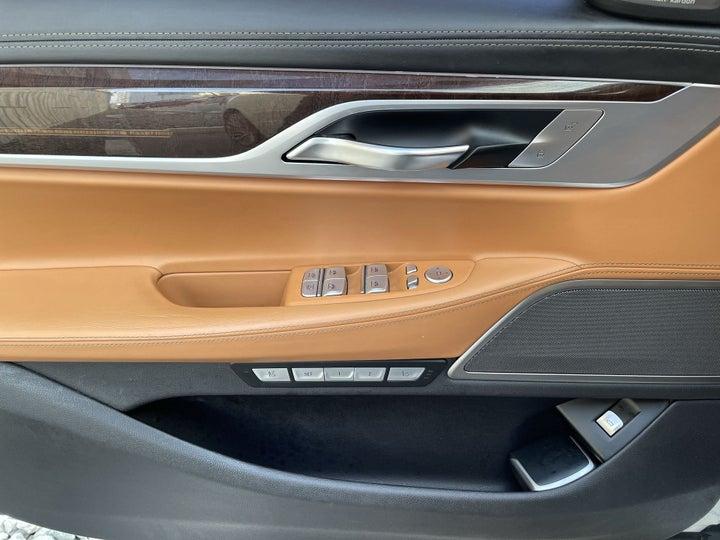 BMW 7 Series-DRIVER SIDE DOOR PANEL CONTROLS