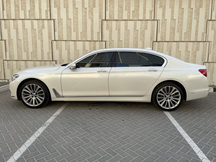 BMW 7 Series-LEFT SIDE VIEW