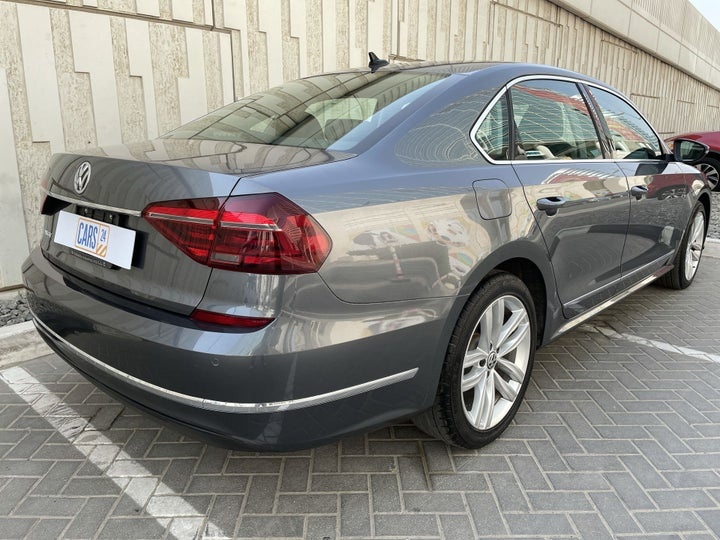 Volkswagen Passat-RIGHT BACK DIAGONAL (45-DEGREE VIEW)