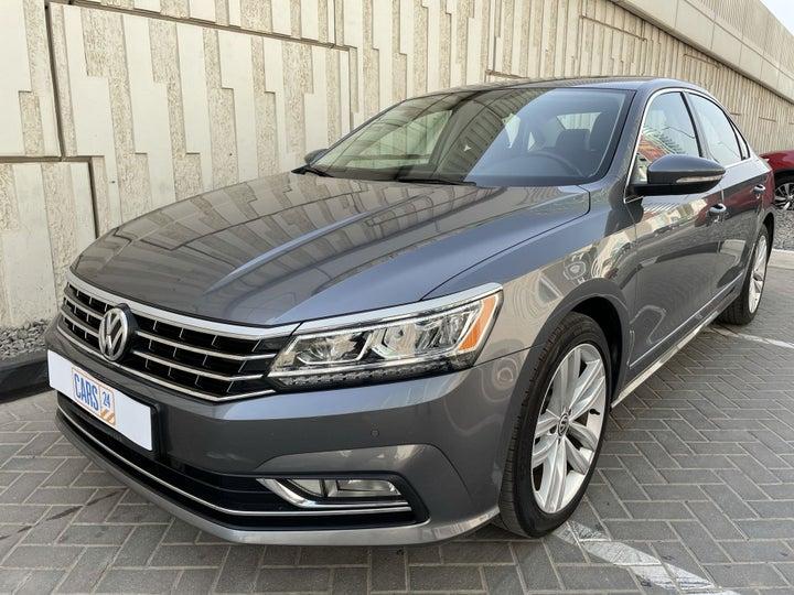 Volkswagen Passat-LEFT FRONT DIAGONAL (45-DEGREE) VIEW