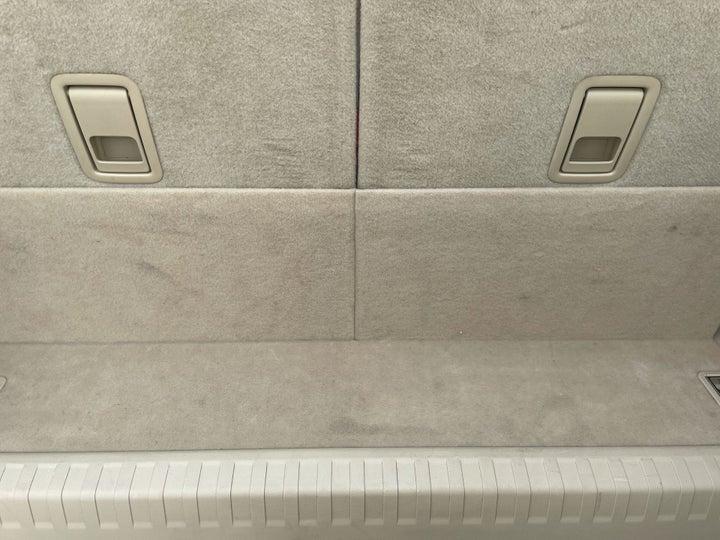 Toyota Prado-BOOT INSIDE VIEW