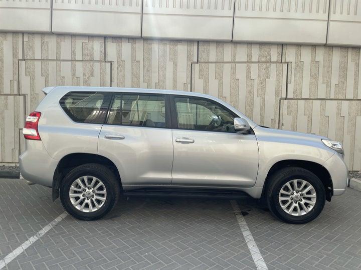 Toyota Prado-RIGHT SIDE VIEW
