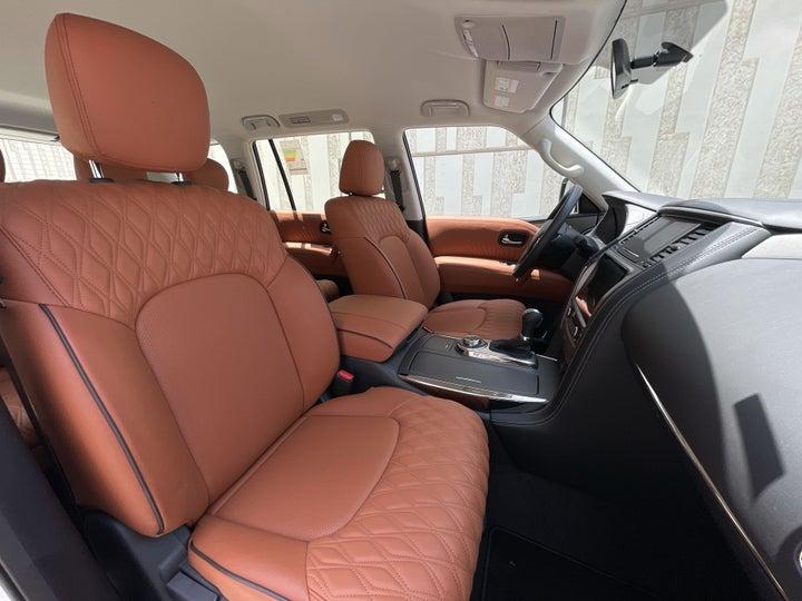 Nissan Patrol-RIGHT SIDE FRONT DOOR CABIN VIEW