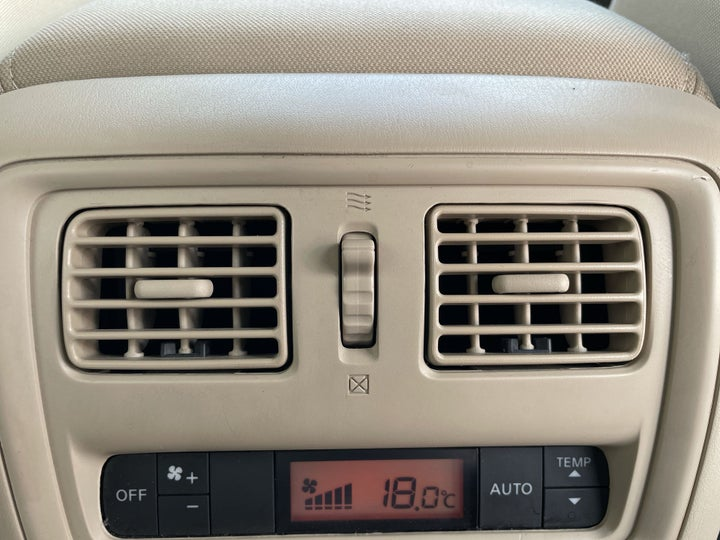 Nissan Pathfinder-REAR AC VENT
