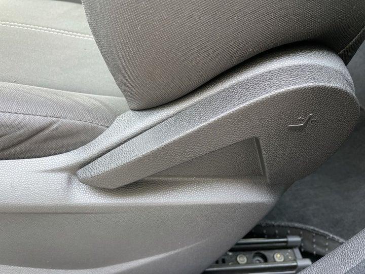 Ford EcoSport-DRIVER SIDE ADJUSTMENT PANEL