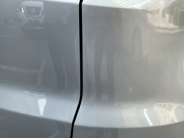 Ford EcoSport-Right Qtr Panel Cracked Paint