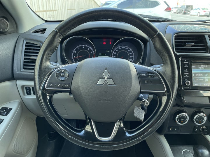 Mitsubishi ASX-STEERING WHEEL CLOSE-UP