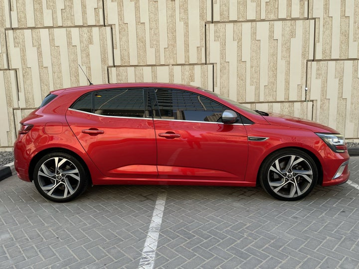 Renault Megane-RIGHT SIDE VIEW