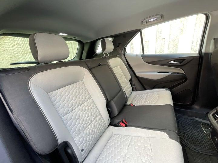 Chevrolet Equinox-RIGHT SIDE REAR DOOR CABIN VIEW