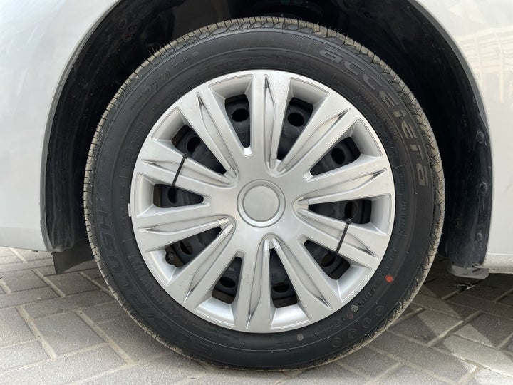Nissan Sentra-RIGHT FRONT WHEEL