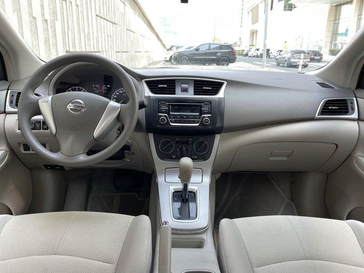 Nissan Sentra-DASHBOARD VIEW