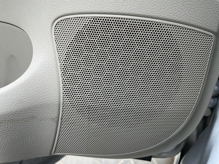Nissan Sentra-SPEAKERS