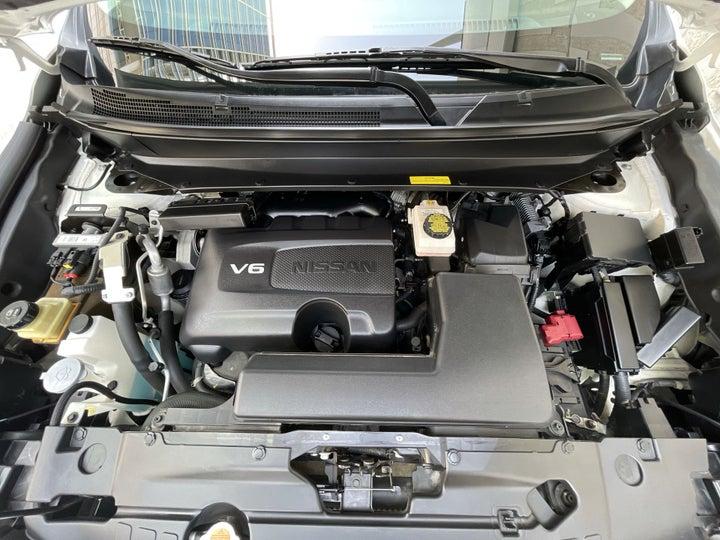 Nissan Pathfinder-OPEN BONNET (ENGINE) VIEW