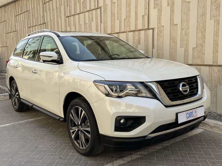 Nissan Pathfinder-RIGHT FRONT DIAGONAL (45-DEGREE) VIEW