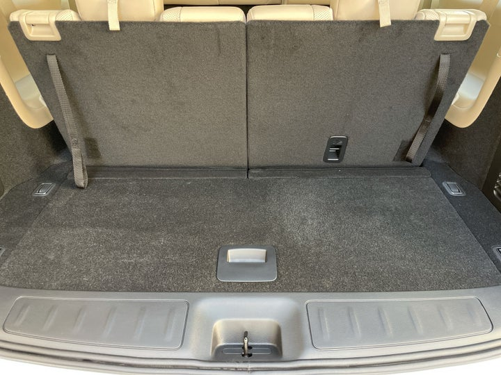 Nissan Pathfinder-BOOT INSIDE VIEW
