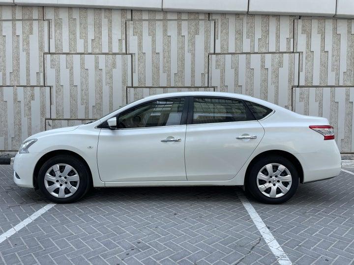 Nissan Sentra-LEFT SIDE VIEW